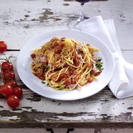 Spaghetti mit Thunfisch-Tomaten-Soße Rezept