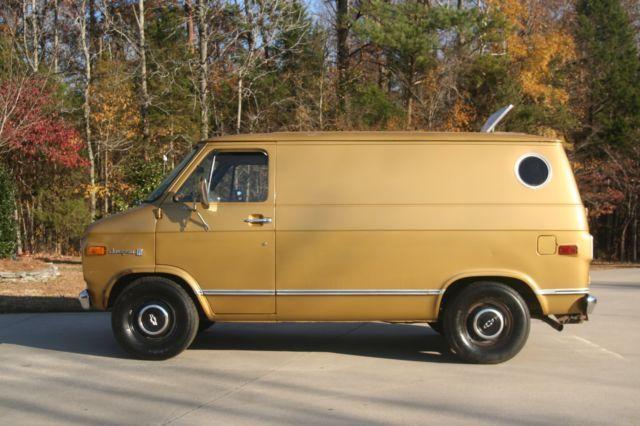 1976 Chevy G10 Shorty Van Classic Survivor Chevrolet Shorty Van Rare V8 Auto For Sale Photos Technical Specifications Descriptio Chevy Van Vans Vans Classic
