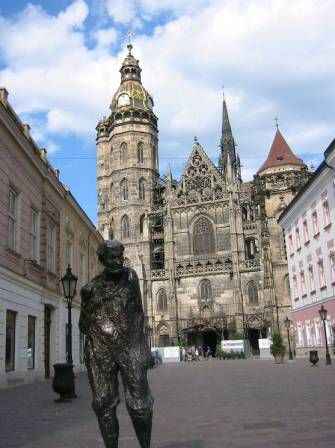 Tourist info about cities like Praha, Bratislava, Kosice, Brno and Stockholm. Lodging, restaurants, nightlife, museums and galeries, transport, sights and activities