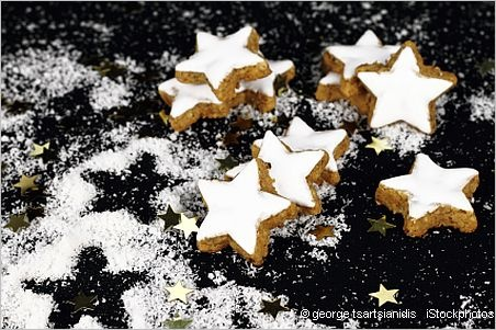 """Zimtsterne Christmas Cookie. I really want to try this, """"most traditional German Christmas cookie"""""""