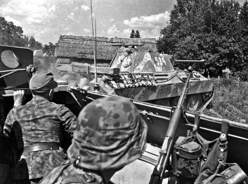 Counterattack with Wiking Division Panzergrenadiere in Sd.Kfz. 251 and Panther '534' from soldiers point of view, Nurzec-Stacja area, July 1944. During this time Wiking Division was engaged in counterattacks against Soviet armored and cavalry forces following their rapid advance during the Red Army's Operation Bagration summer offensive.
