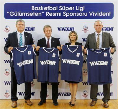 Basketbol Süper Ligi Direktörü Samer Şenbayrak, Perfetti Van Melle Türkiye Genel Müdürü Corrado Bianchi, Sakız Grubu Kıdemli Marka Müdürü Çiğdem Serim ve Basketbol Federasyonu Başkanı Harun Erdenay