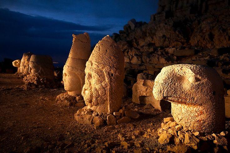 1st century megalith heads at Mt. Nemrut, Turkey 20589A - ID: 13344761 © Jim  Zuckerman