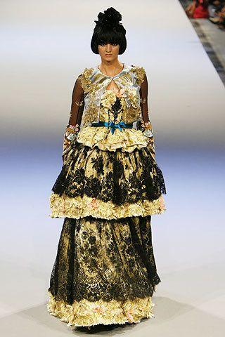 Christian Lacroix Fall 2006 Couture Fashion Show - Kamila Szczawinska