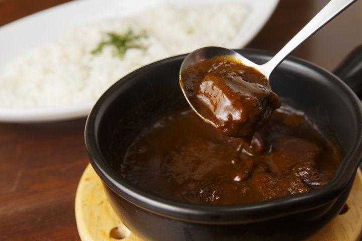 京都観光のランチにいかが?土鍋でサーブされる、アツアツの欧風カレーが人気「近江屋清右衛門」