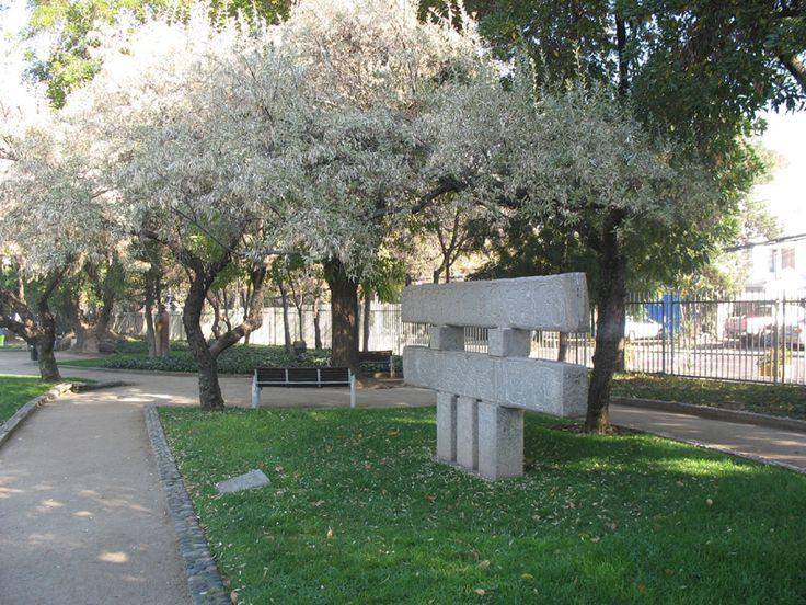 """""""Estela Monumental"""" Parque de las Esculturas- Santiago Chile 1985"""