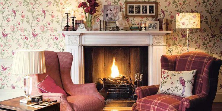 LUNT OG KOMFORTABELT: Et stikkord for den engelske landstilen er myke, dype og komfortable sofaer og lenestoler. Hvem vil ikke synke nedi en av disse med en god bok og en kopp te?