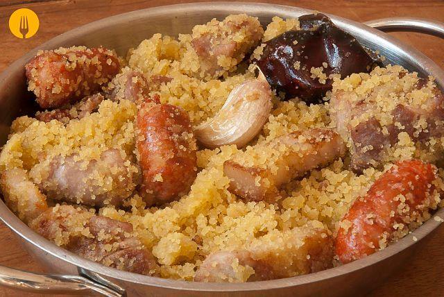 Gachasmigas o migas Murcianas Las gachasmigas o migas es un plato típico de la Región de Murcia de sencilla elaboración, que se suele preparar durante los