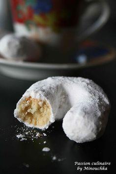 Spécial gâteaux pour l'Aid : une cinquentaine de recettes de petits fours, sablés, pâtisserie orientale....