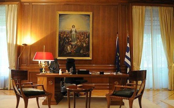 Ο Τσίπρας άλλαξε και «φώτισε» το πρωθυπουργικό γραφείο -Εντελώς νέα εικόνα [εικόνες] | iefimerida.gr