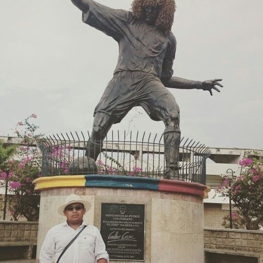 Monumento al Pibe Valderrama, Santa Marta