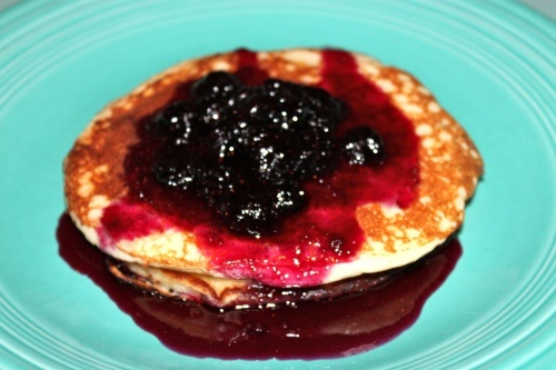 Lemon pancakes with blueberry syrup