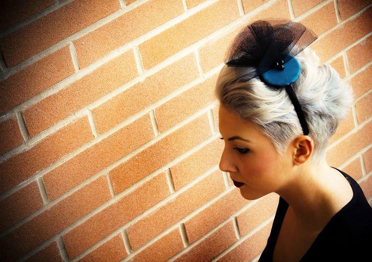 Fascinator fatto a mano. www.vanessavanhandmade.etsy.com  #vanessavan #handmade #fashion #fascinator #hair #accessories