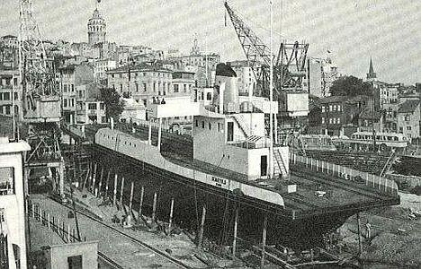 12 Ekim 1957 Denizcilik Bankası Haliç Tersanesi'nde yaptırılan ilk tren-ferisi…