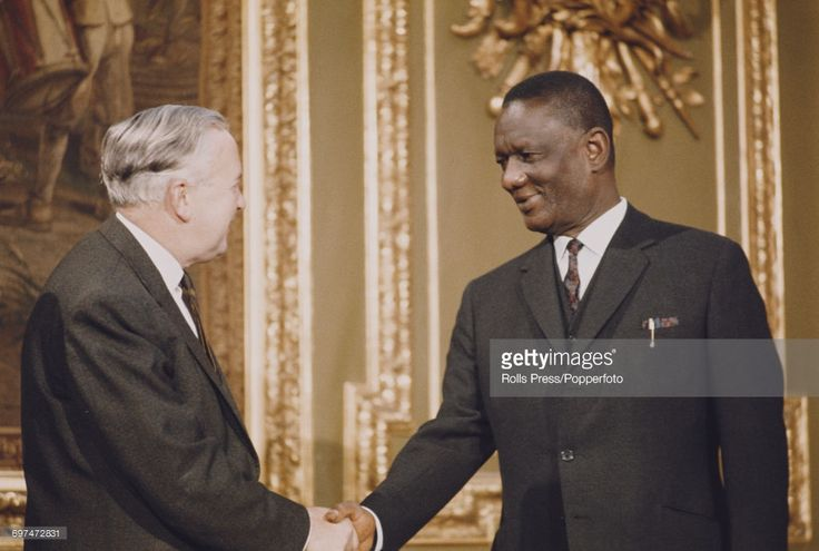 Prime Minister of the United Kingdom Harold Wilson (1916-1995) on left, shakes hands with Prime Minister of Sierra Leone, Siaka Stevens (1905-1988) at the 1969 Commonwealth Prime Ministers' Conference at Marlborough House in London on 7th January 1969.