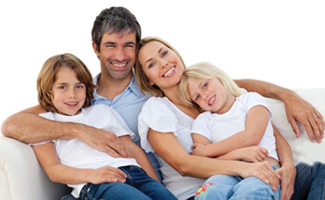 INFORMATII PACIENTI Ce ati vrut sa aflati despre tratamentul endodontic si v-a fost teama sa intrebati:   Ce este endodontia? Endodontia este o specialitate a medicinei dentare ce se ocupa cu prevenirea, diagnosticul, tratamentul si vindecarea afectiunilor datorate tesutului moale aflat in interiorul dintelui (pulpa dentara sau nervul dintelui) precum si a ligamentelor de sustinere situate in varful radacinii.