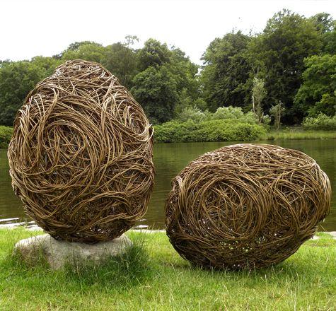 Rachel Carter Sculpture - Landscape and garden sculpture using mild steel and woven willow