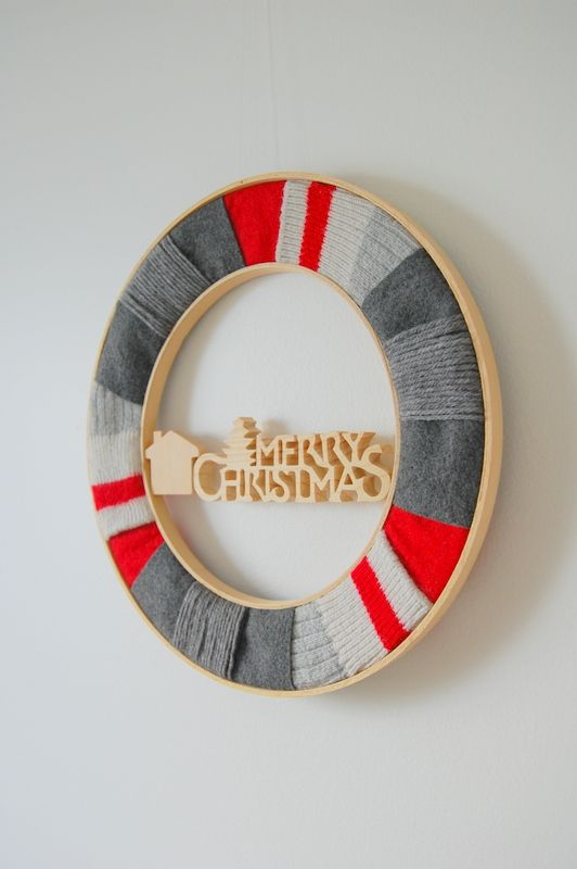 Embroidery Hoop, Upcycled Christmas Wreath - northstory.ca #wreath #Canadiana #ChristmasCrafts