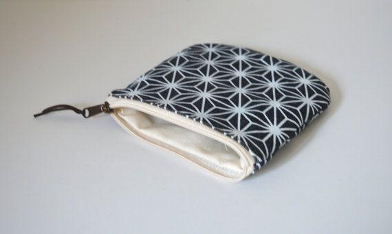 Printed coin purse Small zipper pouch Denim small by UMEHARAKABAN