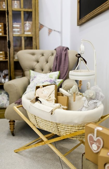 Sweet bassinet and mobile for a neutral nursery from Notting-Hill.ca. Enter to win a $ 300 #NottingHill gift card http://theprov.in/nottingcontest  #contest