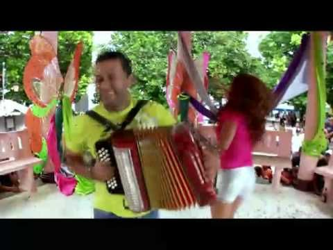 #panama #folkmusicfrompanama Samy Sandra Sandoval LA BARREDORA - YouTube