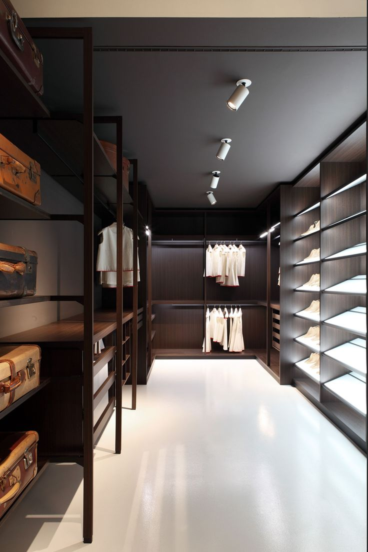 Extremely flexible walk in closet system - Porro Walkin Closet Systems Pehaps The Most Flexible In Terms Of The Mix Of Type