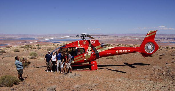 Vuelo en helicóptero sobre la Curva de la Herradura y el lago Powell con una parada de entre 15-20 minutos en Tower Butte.