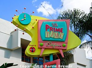 Disney dining info. with links to menus and prices