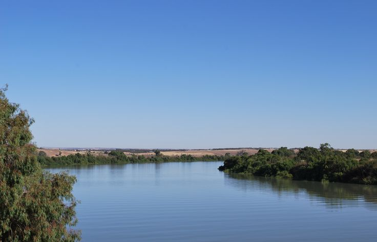 A very exciting destination for those who love canoeing and kayaking, the Murray River stretches an amazing 2000 kilometres and offers various water trails you can traverse, and a plethora of wildlife and natural landscapes enthusiasts will certainly fall in love with.