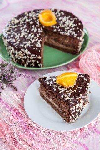 Bolo de chocolate com laranja  TeleCulinária 1869 - 2 de Fevereiro 2015 - Disponível em formato digital: www.magzter.com Visite-nos em www.teleculinaria.pt