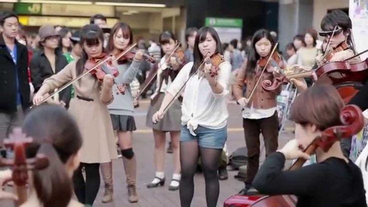 渋谷ハチ公前 オーケストラフラッシュモブ - Orchestra flash mob in shibuya hachiko Japan 2014...