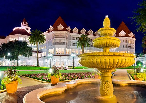 Want to stay in a Deluxe Walt Disney World Resort without breaking the bank? Here's how: http://www.disneytouristblog.com/disney-world-vacat...
