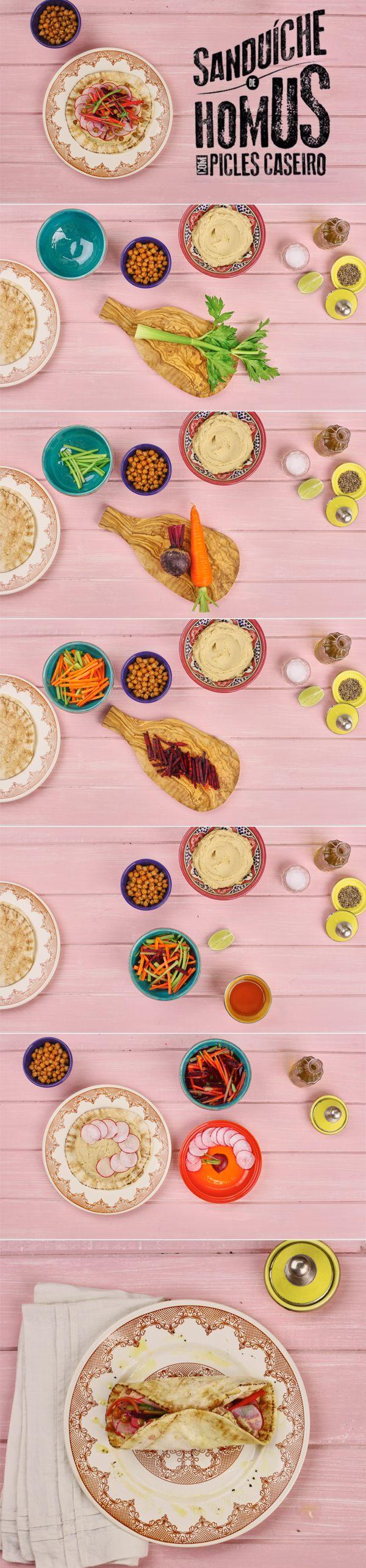 Receita do Panelinha de sanduíche de homus com picles de legumes caseiro. Saborosa, esta receita é uma homenagem para quem é bom de bico. E sem essa de lanchinho: o sanduíche de homus com picles de legumes caseiro pode ser servido como prato principal!