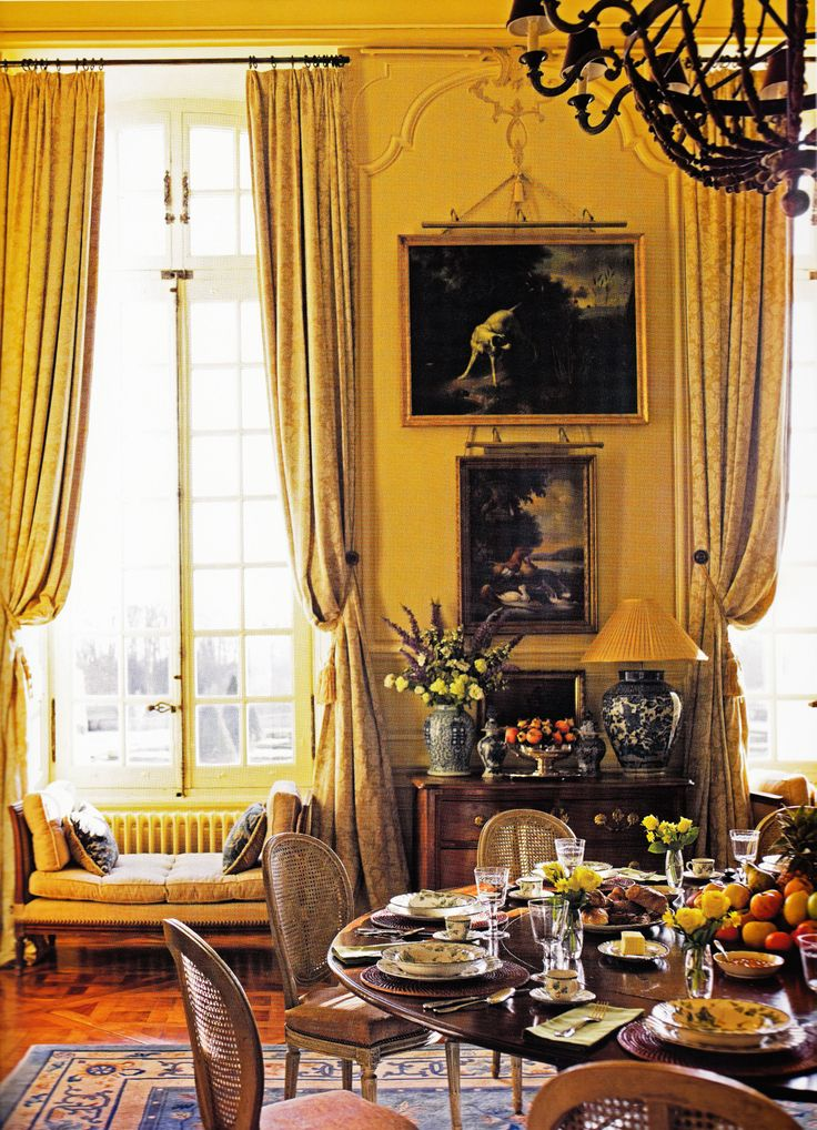 Decorator Timothy Corrigan's Chateau du Grand-Luce', casual Dining Room