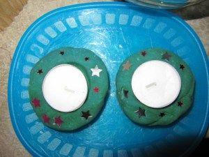 schönes Geschenk - Teelichthalter aus Salzteig Kleinwirdgross.wordpress.com Ein Blog für die Familie, mit Themen von Spieletipps, Bastelideen und Rezepten, über Kindererziehung, bis hin zu mehr Gelassenheit für Eltern