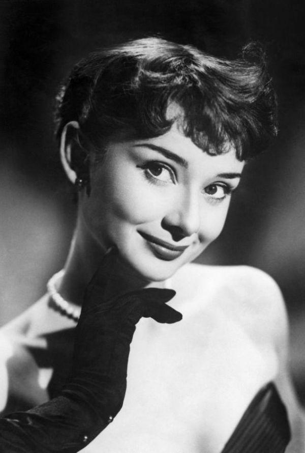 1242 best Audrey Hepburn images on Pinterest | Dolls, Idol ...