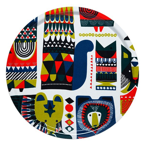 The Kukkuluuruu tray makes the appetizers and drinks taste even better. The fun tray is decorated by thrilling animal characters from the Kukkuluuru pattern designed by Sanna Annukka.
