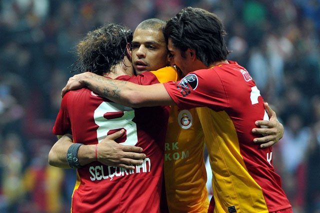 Galatasaray 1 - Trabzonspor 1 03.25.2012 | Poor referee but an OK result. Two more games to finish the regular season.