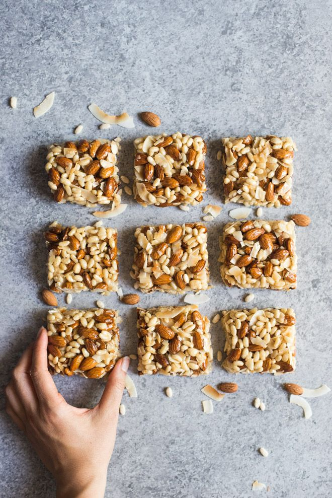No-Bake Almond Coconut Crispy Rice Bars - these healthy crispy rice bars are perfect as a gluten free snack! 7 ingredients only! by @healthynibs