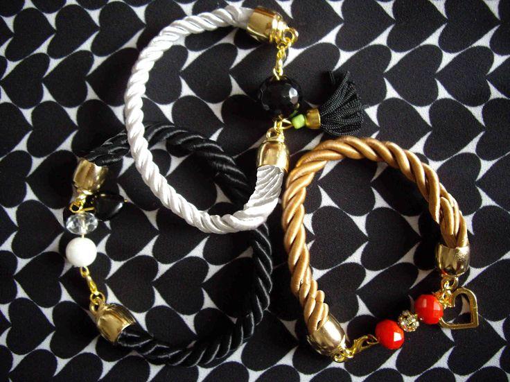 Βραχιόλια με στριφτό κορδόνι. Bracelets with twisted cord. Τιμή: 8 € το ένα/ each Κωδικός: 11035/1