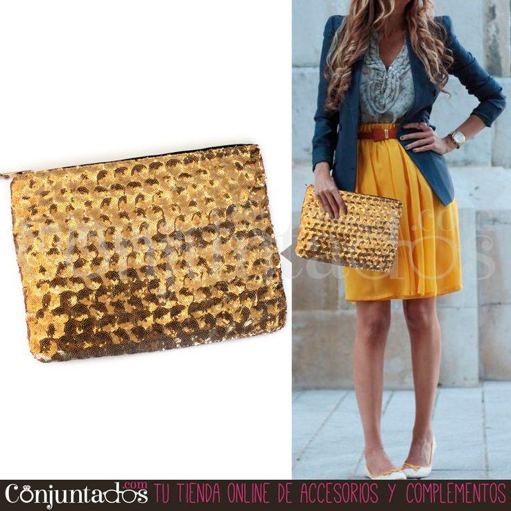 Nuestro bolso - cartera de mano con lentejuelas doradas te sacará de más de un apuro. Es monísimo, atemporal y va con todo ★ Precio: 12,95 € en http://www.conjuntados.com/es/bolsos/bolsos-de-mano/bolso-cartera-de-mano-con-lentejuelas-circulares-en-dorado.html ★ #novedades #bolso #handbag #purse #pailletes #accesorios #complementos #trendy #tendencias #moda #fashion #estilo #style #GustosParaTodas #ParaTodosLosGustos