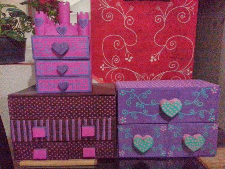 Alajeros hechos de carton