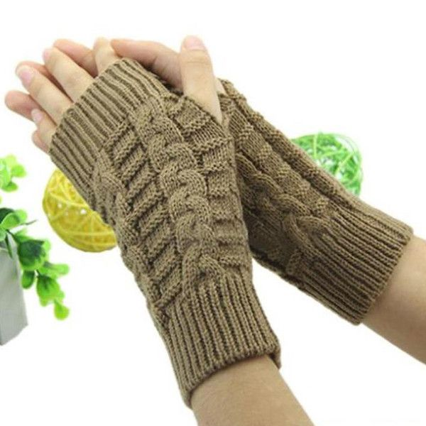 These warm and stylish gloves are sure to keep you warm this fall and winter. Made of high quality cotton and fiber blend, you will always be cozy in any weathe