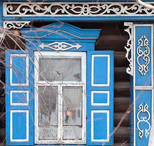 Деревенские окна с распахнутыми ставнями, а за ними целая жизнь... #нравится #like