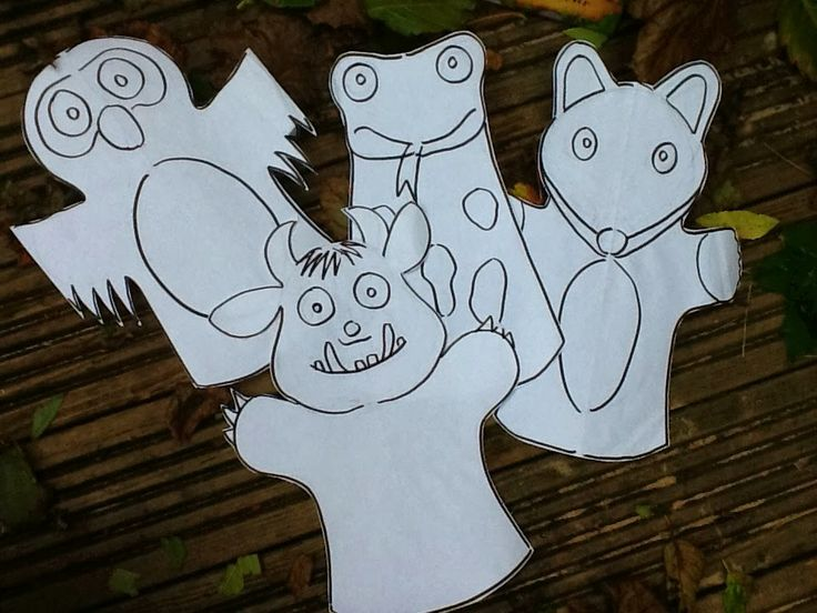 Make your own Gruffalo puppets out of paper - don't forget to colour them in!