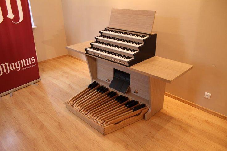 Magnus Principal - a perfect home organ. Here: in a form of MIDI console with 32-keys pedalboard . #organ #organmusic #homeorgan #Hauptwerk #MIDI