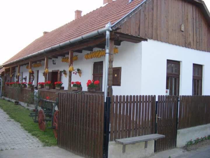Kömörő - www.paraszthazazorok.hu