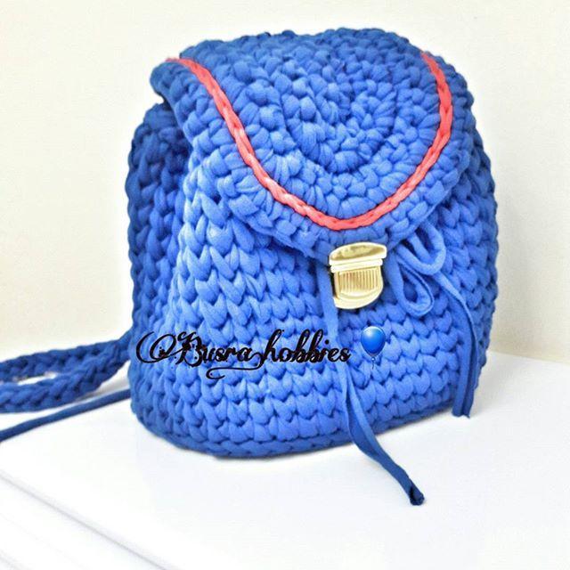 Yeni çanta modeli yapiyorum suan yapim asamasunda astar dikimi kaldi bitsin hemen paylascam insallah... .  #mutlulukyakalanir #likesforlikes #like4like #puset #hamileler #hamileadaylari #anneadayi #bebek #minigs #minik #mikimause #knitting #crocheting #amigurumi #crochetlove #crossdresser #instagood #instalike #flowershop #showroom #babyshower #likeforlike #bebek #annebebek #puset #uygun #fiyat #siparis  #canta #clucth #followforfollow #followme