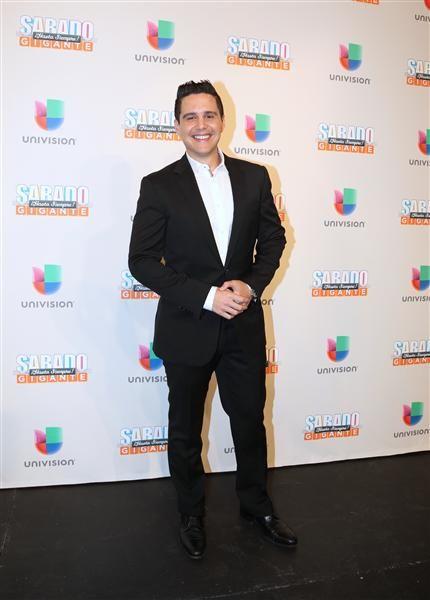 """Alejandro Chabán en la alfombra del programa final de """"Sábado Gigante"""" conducido por Don Francisco en la cadena Univision, Miami, el 19 de septiembre de 2015."""
