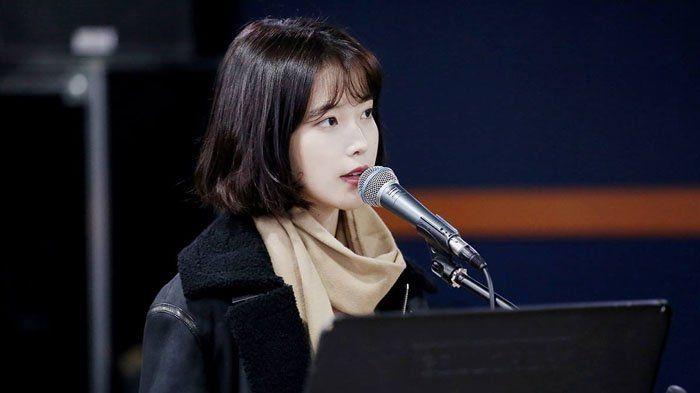 Rambut Pendek IU - Potong Mahkotanya Super Pendek Demi Sambut Tahun 2017